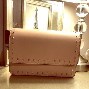 Crossbody small handbag. Color blush